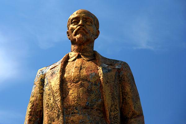 Статуя Дзержинского в Афанасьево (Липецкая обл)