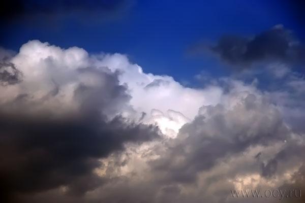 Облако над аэропортом Шереметьево. 16 апреля 2010 года, 17:23 мск.