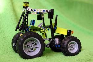 Трактор Лего