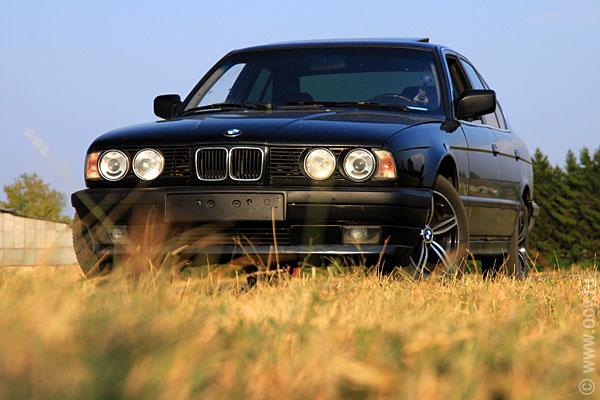 BMW 525 E34: черный бумер