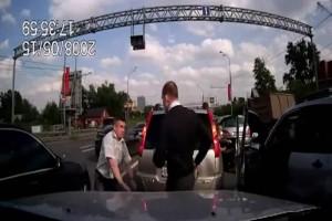 Компания Ретон-н предлагает водителям снимать стрессы массажной накидкой без ущерба для вождения.