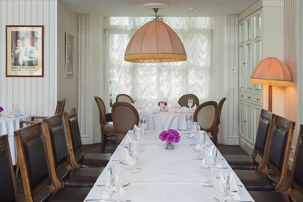Ресторан «Павильон», заведение-праздник.