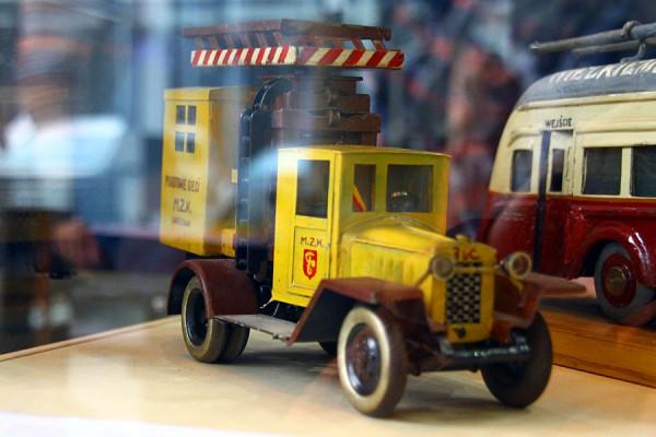 Модель автомобиля аварийной службы контактной сети. Подарок Сталину, Польша.