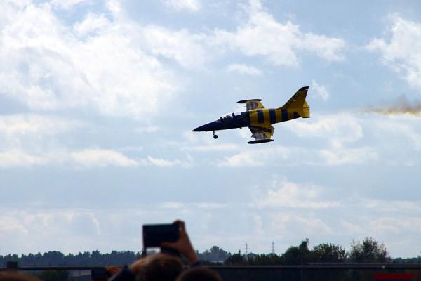 Пилотажная группа Baltic Bees (Балтийские Пчёлы) на авиасалоне МАКС-2015.