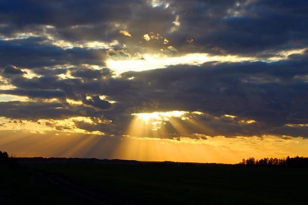 Небо с дырой для солнца.